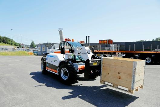2,6 TONN: Løftekapasiteten med bommen helt inne er 2,6 tonn.