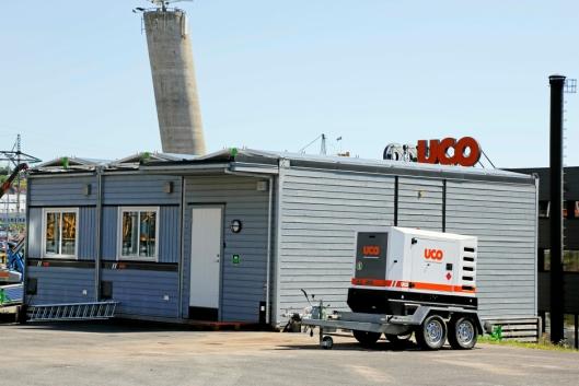SATSER PÅ MILJØ: UCO tilbyr brakker med solcellepanel på taket for utleie.