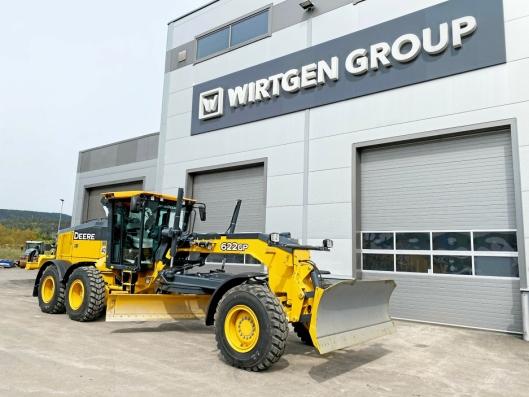 HELT NYTT: Wirtgen Norway AS har fått veihøvler fra John Deere på programmet. John Deere kjøpte Wirtgen Group i 2017.