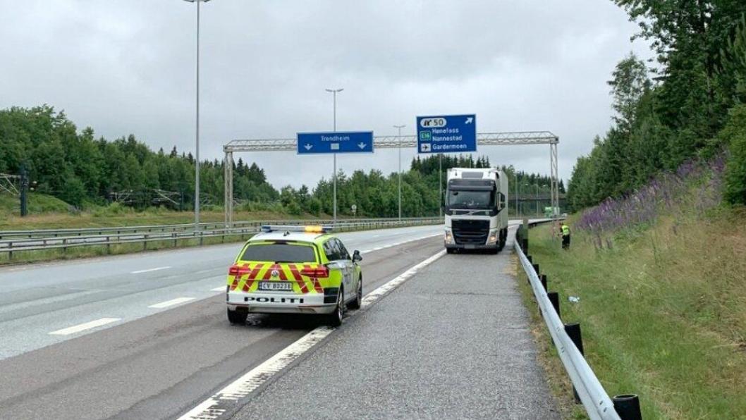Her ble vogntoget stanset på E6, like ved avkjøringen til Gardermoen.