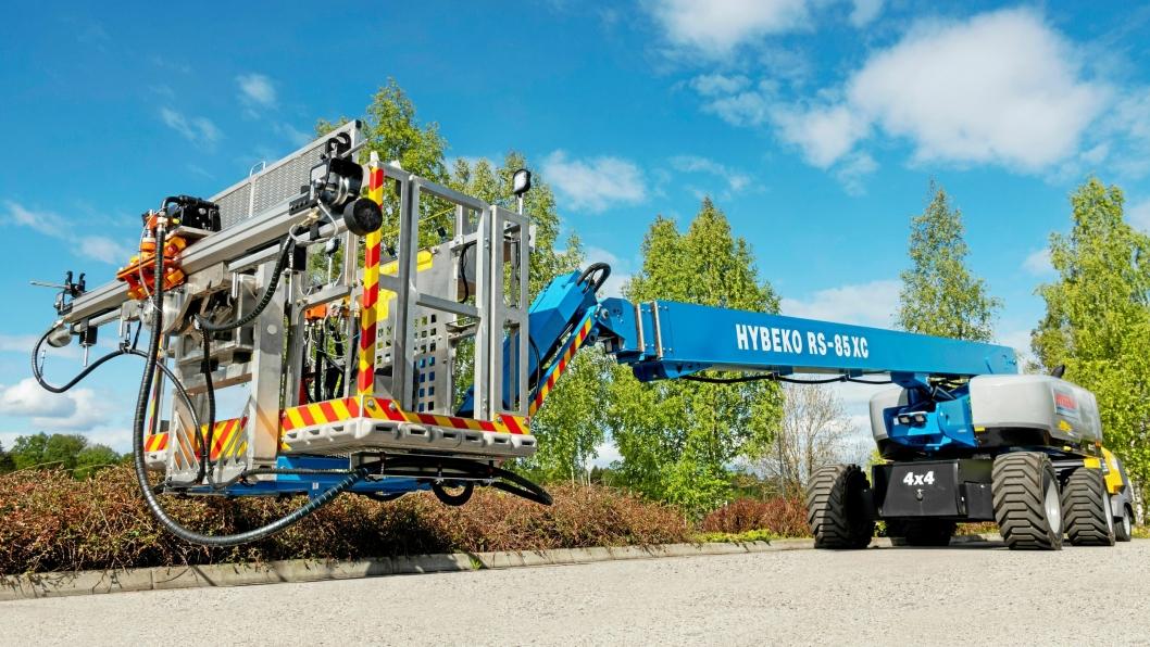Boretårn på en Genie 28 meters lift. Løsningen er utviklet av Hybeko AS i samarbeid med Terox og Gjerden Fjellsikring.