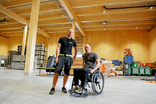 Her er Sørby-brødrene Lars (t.v.) og Erik Sørby som startet utleieselskapet. Foto: Klaus Eriksen
