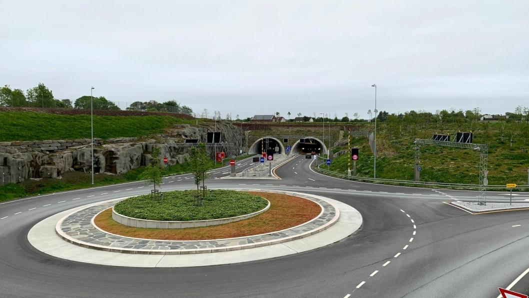 Det blir gratis å kjøre i Hundvågtunnelen en stund til.