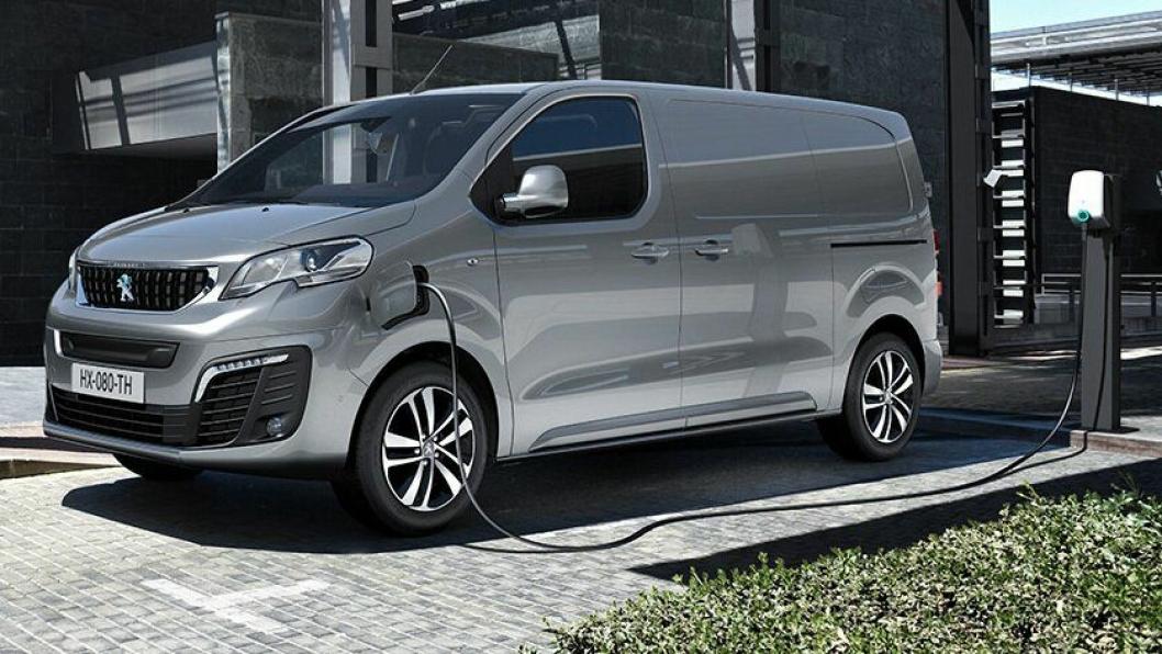Peugeot e-Expert får hurtiglading som lader opp til 80% på 30 eller 45 minutter avhengig av batteripakke.