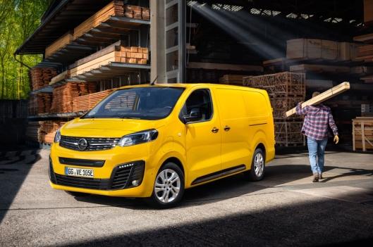 En lang Opel Vivaro-e vil vi anta at blir populær hos mange håndtverkere.
