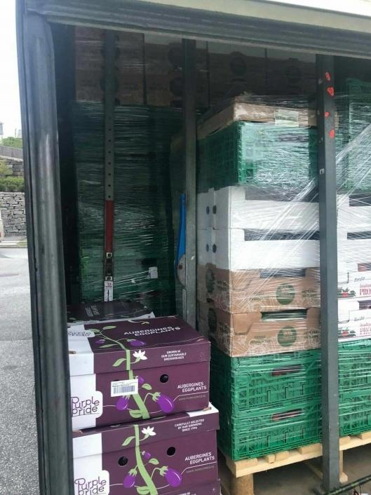 Langt over 2 tonn med matvarer besto frakten av.