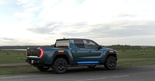 Bakfra blir bilen lett gjennkjennelig som en Nikola og vi ser designlikheter med de kommende lastebilene.