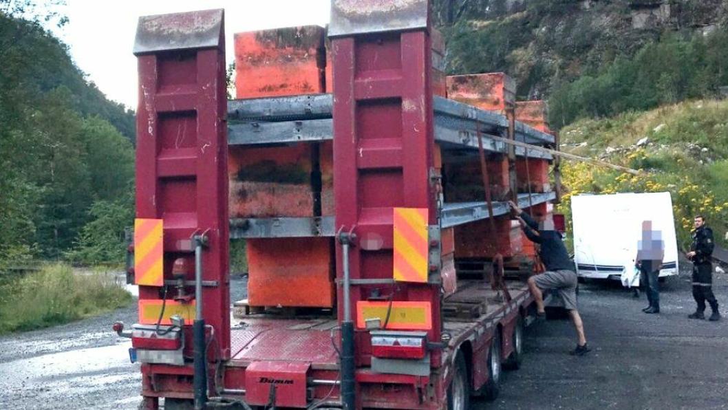 Bilde tatt etter at sjåføren av tungbilen ble stoppet i Dale i Vestland av en privatperson.