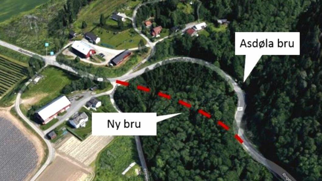 Illustrasjon som viser hvor veitraseen går i dag, og hvor den nye brua skal bygges på fylkesvei 285 i Lier.