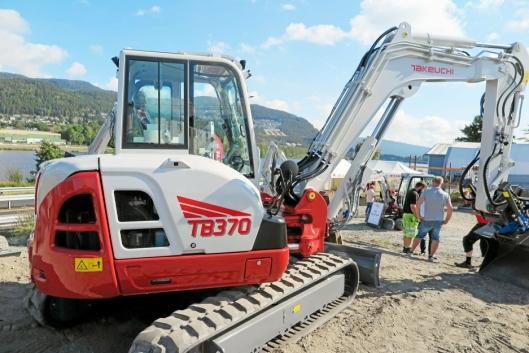 Den nye Takeuchi TB370 var et åpenbart trekkplaster på åpen dag på selskapets anlegg i Mjøndalen i august 2020.