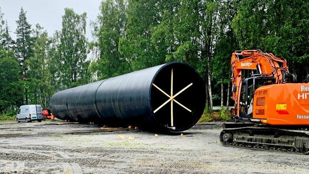 Røret med innvendig diameter på 4 meter som skal legges under E18 ved Holstadkrysset.