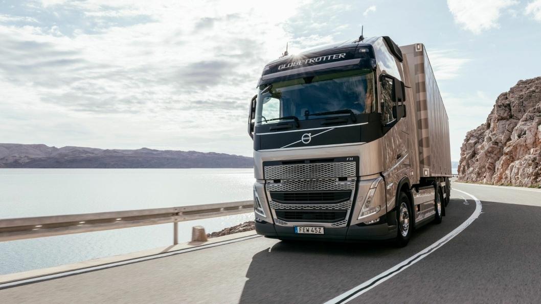 Volvo lanserer nå ny FH med I-Save som er enda mer drivstoffeffektiv enn forgjengeren.