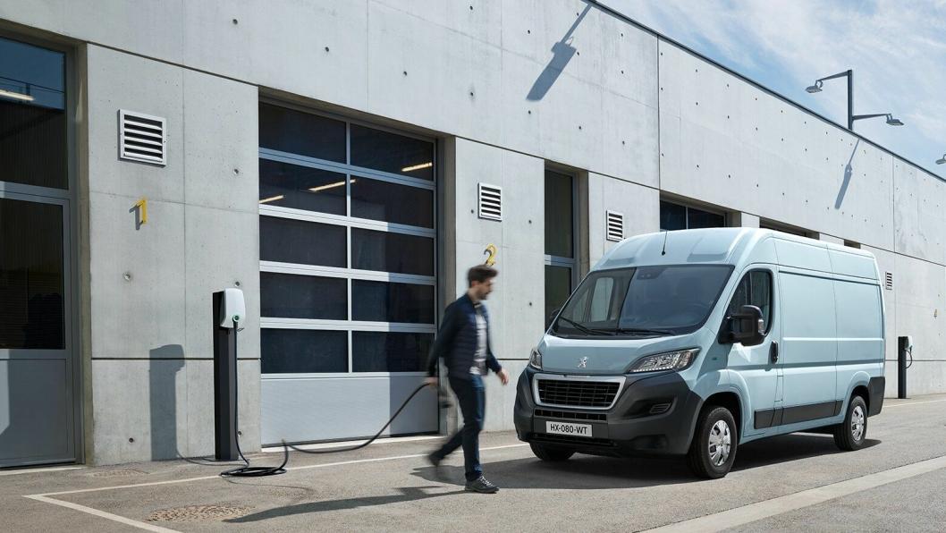 Den elektrifiserte versjonen av Peugeot Boxer vil ankomme Norge før jul.