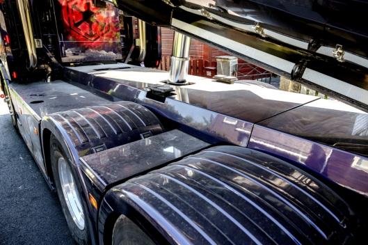 GJENNOMFØRT: Også ramma er bygget inn og lakkert med samme farge som resten av bilen.