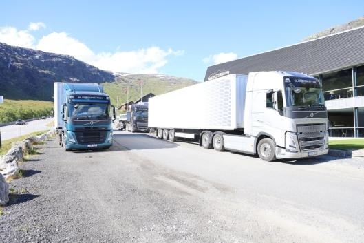 PÅ besøk: To svenske trekkvogner en FM og en 540 hk FH