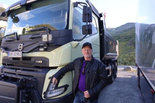 Kjører FMX: Ernst Grindheim kjører til daglig en 2011 modell FMX og kan konstatere at det har vært en stor utvikling.