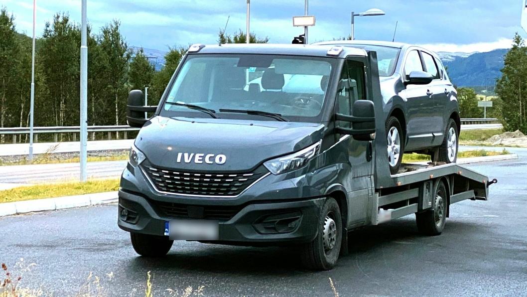 Sjåføren måtte sette fra seg lasten, men fikk kjøre videre uten gebyr eller anmeldelse.
