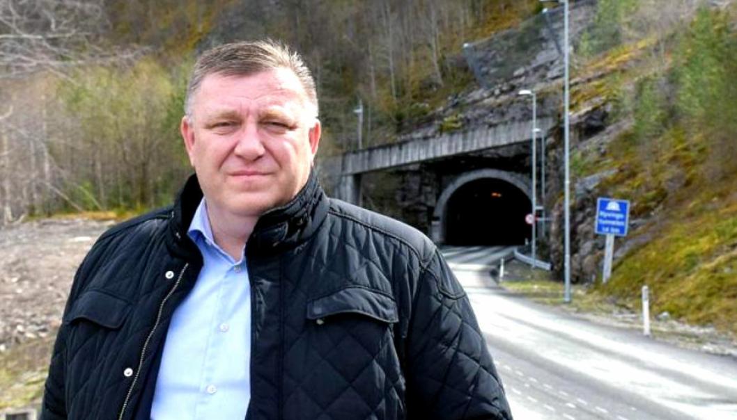Hva med klimavennlige alternativer for langtransporten, spør administrerende direktør Geir A. Mo i Norges Lastebileier-Forbund (NLF).