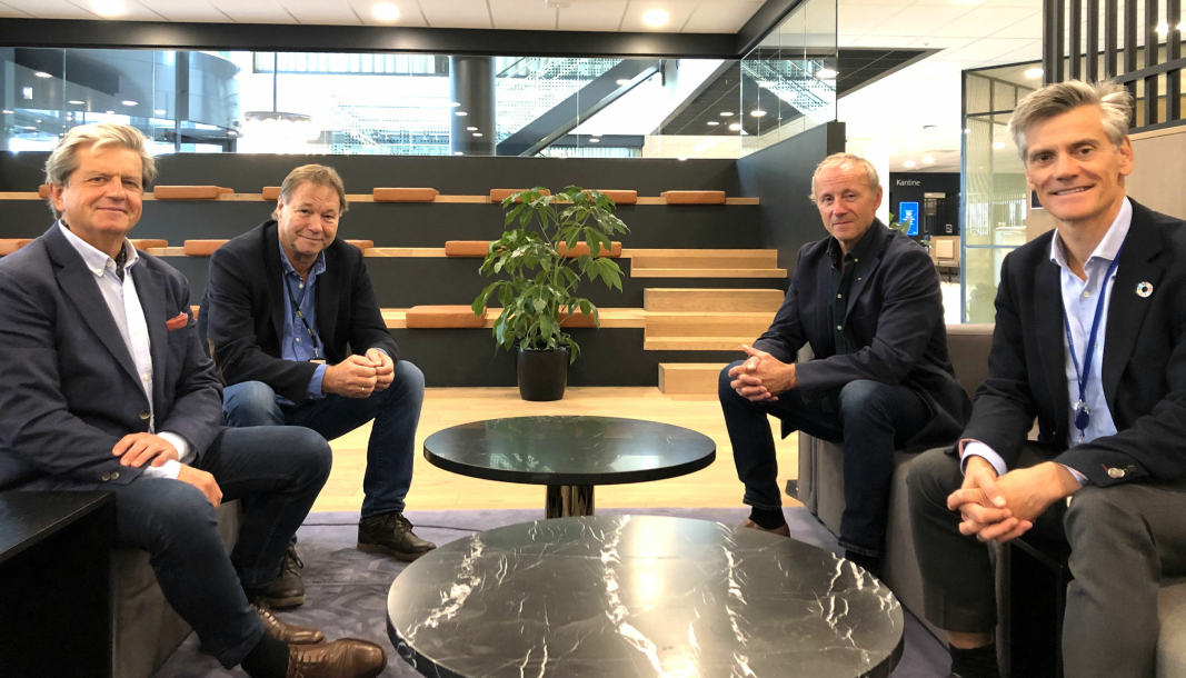 Avtalen ble signert av f.v.: Prosjektdirektør Trond Rusten i Bane NOR Eiendom, avdelingsdirektør Ove Vedvik i AF Bygg Oslo, direktør Paul-Terje Gundersen i AF Bygg Oslo og administrerende direktør Jon-Erik Lunøe i Bane NOR Eiendom.