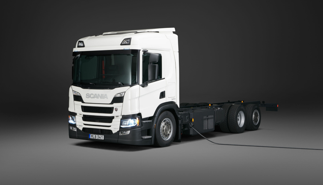 Scania P 360 plugin hybrid 6x2.
