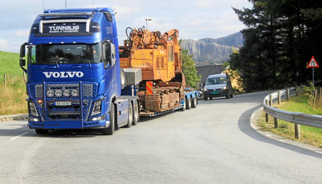 PÅ VEI SØROVER: Tunnsjø Maskin & Transport sørget for trygg og god transport fra Fauske til Jæren.