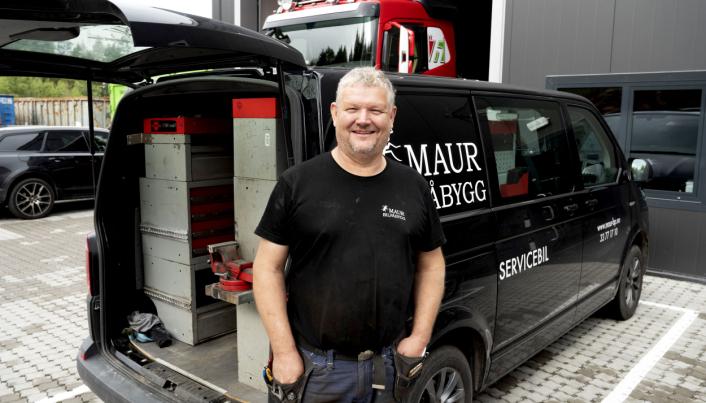 UT: Med ny servicebil som står klar med alt nødvendig utstyr kan Maur Bilpåbygg rykke ut og hjelpe kunder i en knipe.