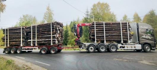 Tester tømmervogntog på 74 tonn i Norge