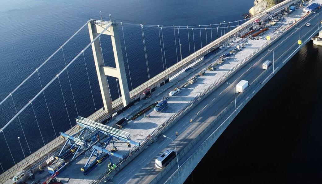 PNC Norge skal rive kabler på gamle Varoddbrua i Kristiansand i de kommende ukene.