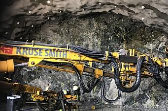 Signerte kontrakter på fjellhaller og tunnel