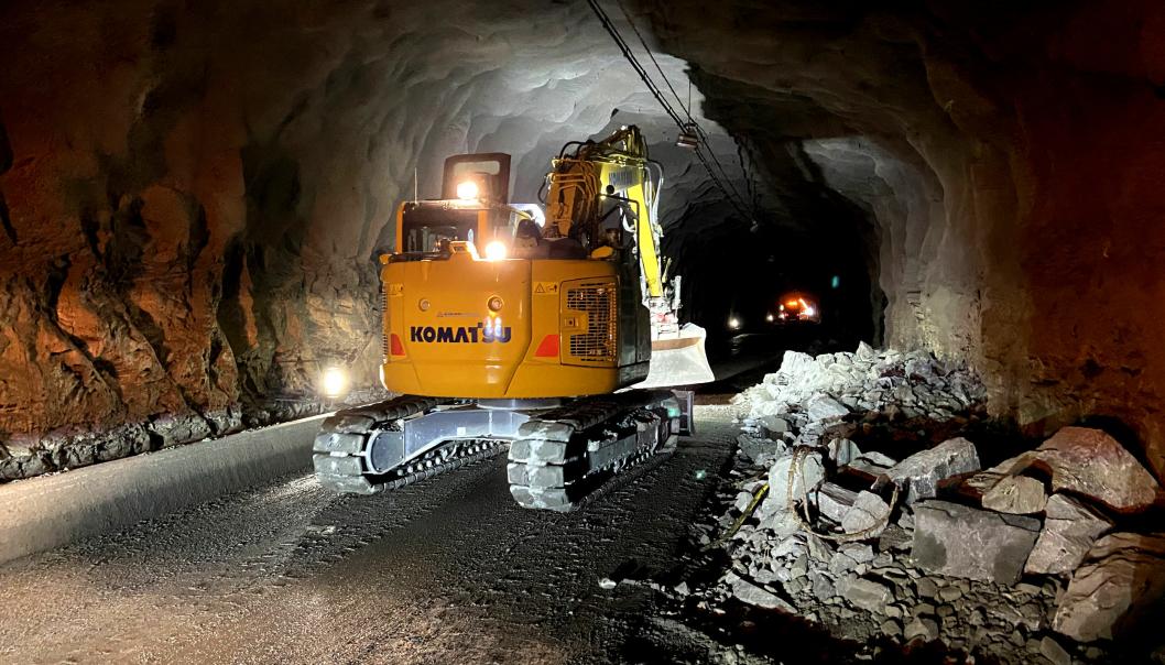 Slik har det sett ut inne i Haukelitunnelen i sommer mens tunneloppgraderingen har pågått.