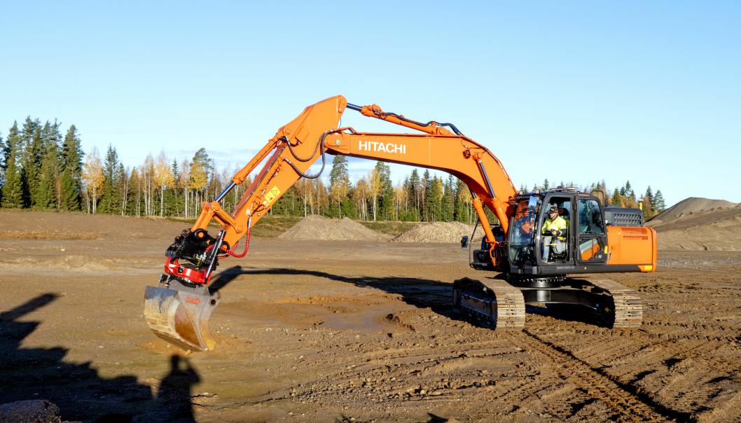 Nasta arrangerer demodager ved Jessheim, der de blant annet har med nye serie-7-gravere fra Hitachi.
