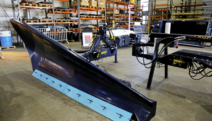 SIDEPLOG: Dette er en sideplog til traktor. Det er ikke så mye brukt i Norge, men mulighetene er mange med dette, påpeker Drivex.