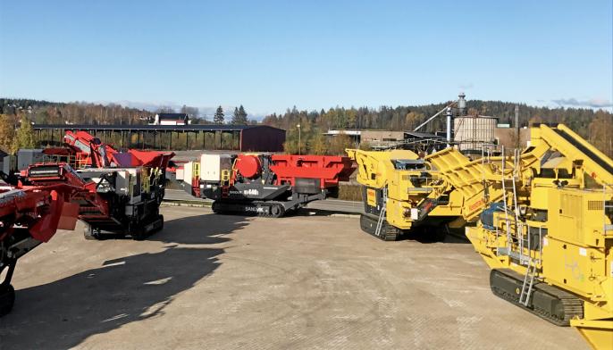Her er et knippe av maskinene, klare til Oktoberdager hos Fredheim Maskin i Spydeberg.