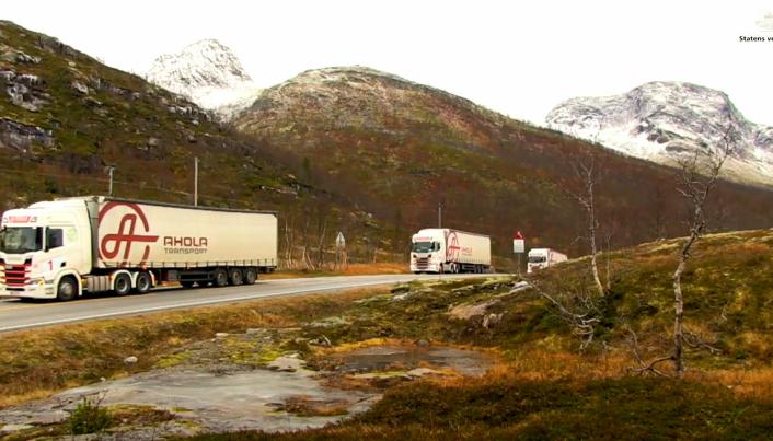 Finske Ahola Transport stilte trekkvogner og traller til disposisjon for platooningen.