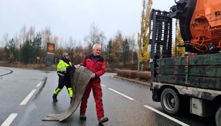 Sigurd Furulund var selv innom og tok i et tak da AT.no var på Jessheim trafikkstasjon lørdag.