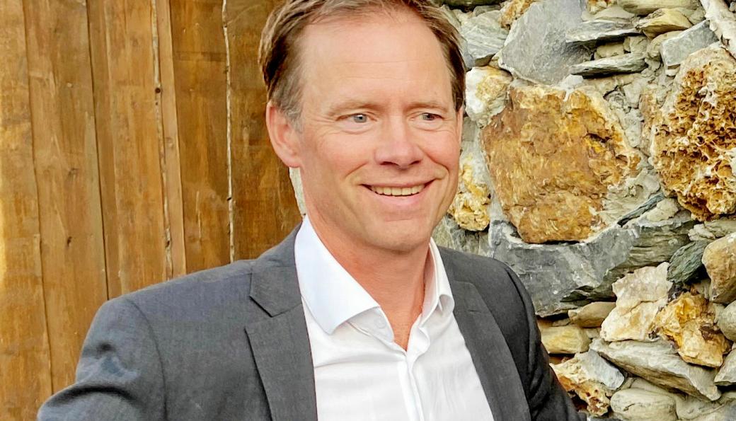 Administrerende direktør Øystein Rushfeldt i Nussir ASA er glad over å ha fått på plass penger til forberedende arbeider for gruvedrift.