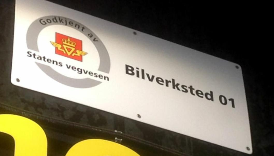 Godkjente verksteder skal ha godkjenningsskilt fra Statens vegvesen.
