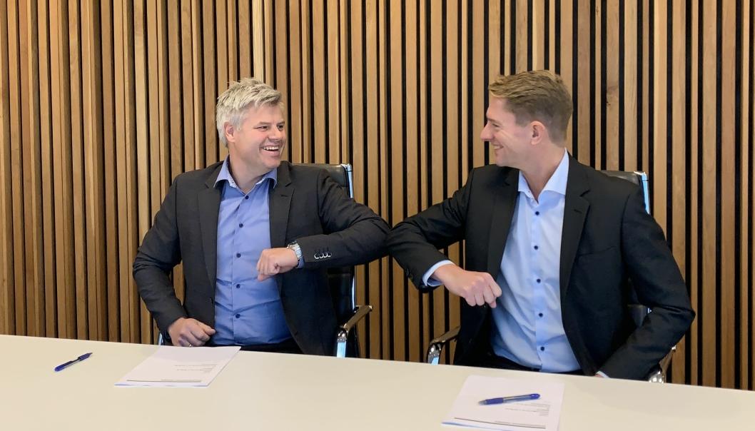 Anders Larsen, regiondirektør Kruse Smith og Sven Carl Kruse-Jensen, prosjektsjef i Bane NOR Eiendom.