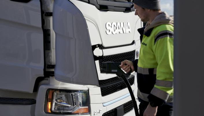 Lading blir en del av den nye hverdagen for lastebilsjåfører.