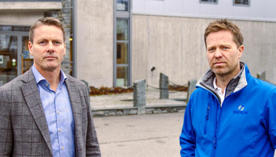 Styreleder Peter Kvisgaard (t.v.) og daglig leder Anders Høiback i Isachsen Anlegg ser seg nødt til å kutte inntil 100 stillinger i selskapet.