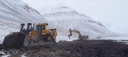 Ferdig med å fjerne vei og masser i Svea Nord