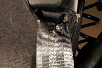 Hadde plassert en skrue i sikkerhetsbeltet
