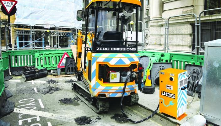 JCB «powerpack» leveres med 23 kWt eller 46 kWt lagringskapasitet.