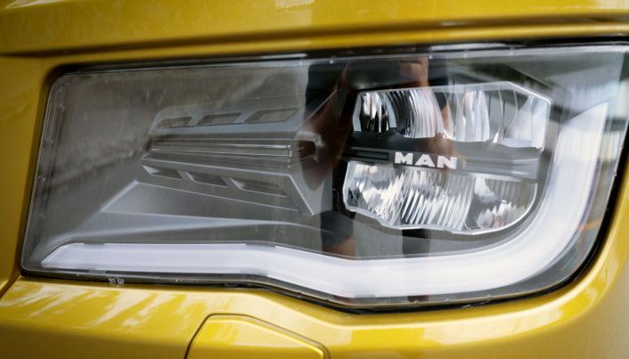 NYE LYS: Nå er det LED-lys som gjelder over hele linja.