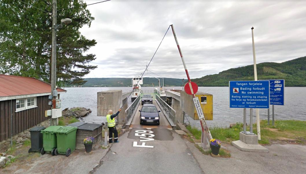 Ferjen som trafikkerer forbindelsen fv. 59 Tangen og fv. 34 Horn på Randsfjorden i Innlandet er over 70 år, og skal skiftes ut. Det skal bygges nye ferjeanlegg som er tilpasset den nye ferjen.