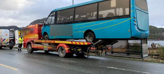 Bruksforbud og gebyr til bergingsbil med buss