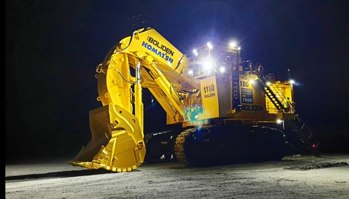 KLAPPET OG KLAR: PC7000-maskinen ferdig montert og klar til innsats. Maskinen kom til gruva i Nord-Sverige i oktober.