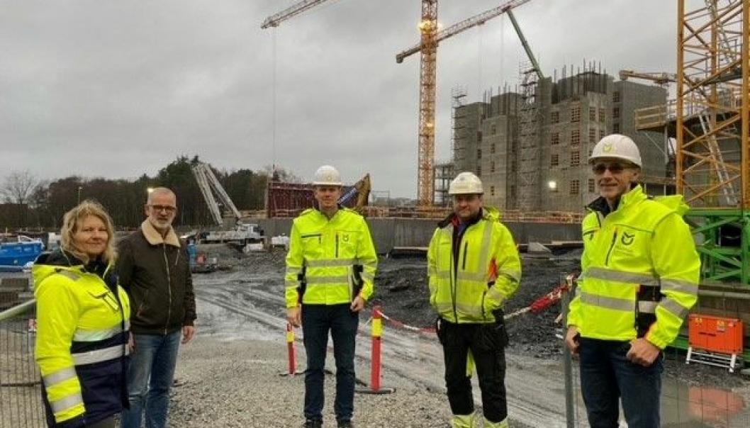 Fra venstre, Ragnhild Mirjam Bøe, prosjektleder logistikk Nye SUS, Lars Egil Borsheim, prosjektleder bygg Nye SUS, Espen Horpestad, selger, Arturas Janulevicius og Geir Malec, alle tre fra Malthus Uniteam.