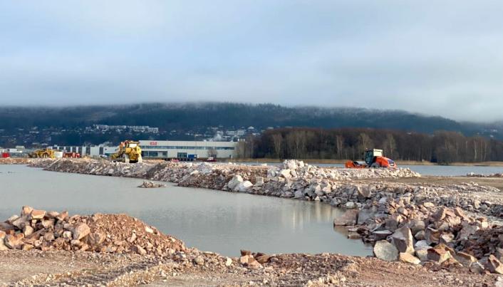 Eidos Eiendomsutvikling AS er i ferd med å opparbeide nytt landområde i Gilhusbukta, ved Drammen.