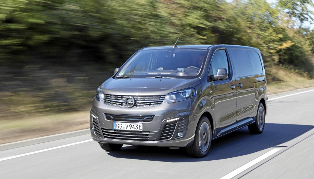 Først ut: Opel Vivaro-e er først ut av firlingene med prøvekjøring av de nye elektriske 1-tonns varebilene som alle skal være på plass i Norge i løpet av høsten.